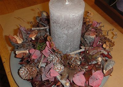Kranz aus Hakea, Eukalyptuslaub, Eichenblättern und Leuka